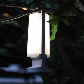 Lampe nomade solaire Dragonfly Lutec en Abs gris 1,2 watt 3 niveaux d`éclairement 120/50/10 lumens 4000k prise usb IP54