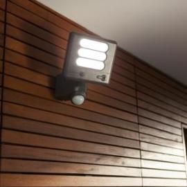 Applique de sécurité Esa avec détecteur de présence, vidéo connectée, led Lutec 25w 1530 lumens 5000k